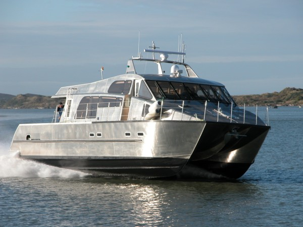Grey heron auckland luxury charter boat high speed 16m for Luxury fishing boats
